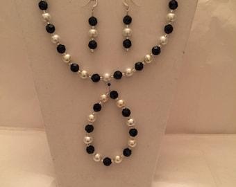 Black and White Beaded Jewelry Set