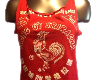 Sriracha Scoop-back Cut-up T-shirt (size large)