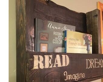 Pallet hanging book shelf