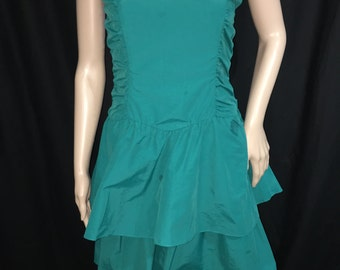 Green Prom Party Style Dress. Size S.