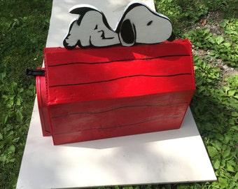 Sleeping Snoopy Mailbox