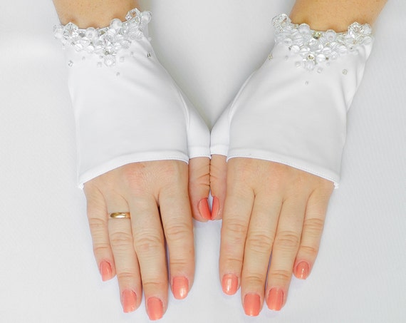 Bridal Mittens, White Fingerless Stretch Wedding Gloves, Bridal Wedding Gloves, Beaded, Rhinestone 20