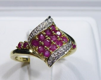 Vintage 10k yellow gold ring with Ruby and Diamond, size 8