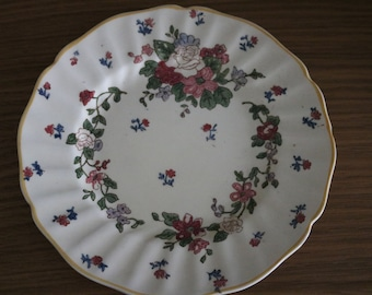 SALE 1930s beautiful Royal Doulton Wildflowers plate. Handpainted. 1930s. D5273. Lovely vintage condition