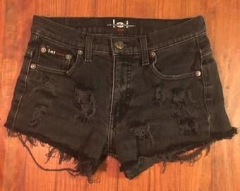Distressed Lei Denim Shorts