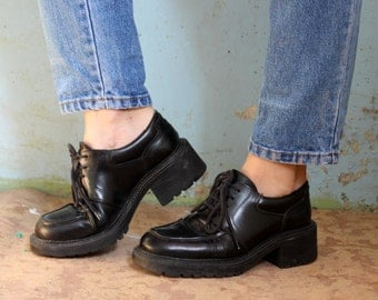 Vintage Docker's  leather womens shoes!