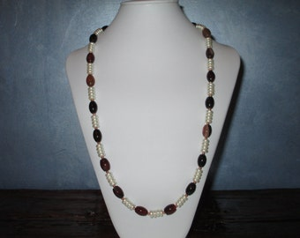 Agate and White long necklace
