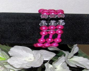 Pink stretchable bracelet