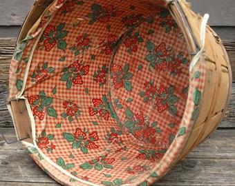 Vintage wooden bushel basket - Vintage bushel Basket , lined basket