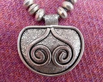 Silver Tone 1980s Vintage Necklace