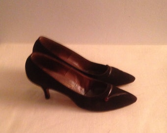 50% off Ladies Vintage Brown Suede Pumps
