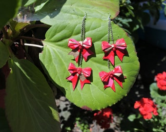 Long origami red knots earrings