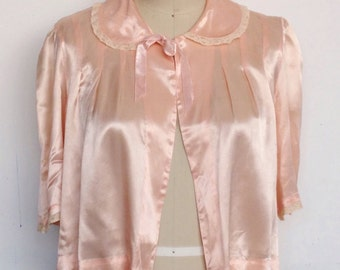 Vintage 30s pink satin and lace bed jacket with Peter Pan collar