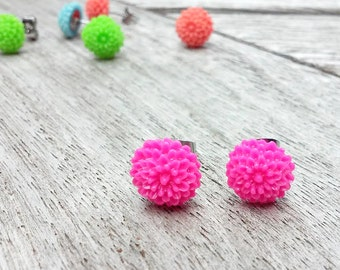 Pink Flower Earrings // Pink Chrysanthemum Earrings // Pink Mum Earrings // Flower Cabochon Earrings // Flower Jewelry // Chrysanthemum