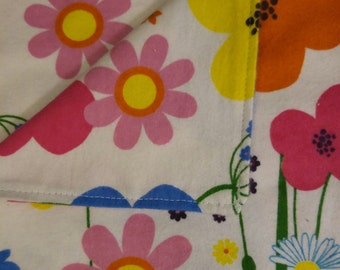 Burp Cloth - Big flowers & butterfly