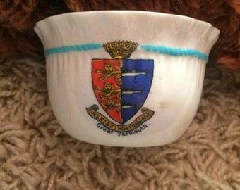 Vintage Willow Art China Crested Ware Great Yarmouth Small Sugar Bowl!