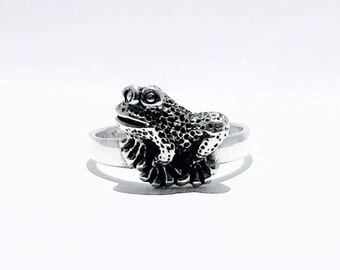 Silver Frog Ring