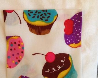 Cupcake Print Short Sleeve Crew Neck Pocket T-Shirt