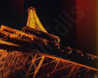 Red Eiffel Tower 2