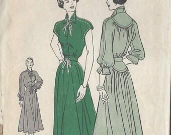 "1950s Vintage Sewing Pattern B30"" DRESS (166)  Butterick 4610"