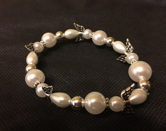 While Pearl Angel Wing Beaded Bracelet
