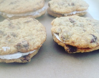 Vegan Chocolate Chip Cookie Sandwiches with Cinnamon-Vanilla Icing