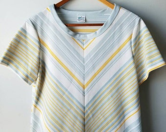 Vintage 70s / Kmart / v-neck / polyester / Richie Tenenbaum /  shirt / retro / yellow / blue / short sleeve / hipster