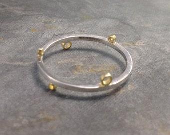 Play Geometric Ring