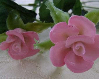 4 Porcelain Roses With silk Leaves