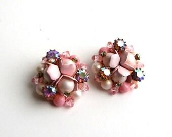 pink rhinestone & pearl cluster earrings . vintage clip on earrings . mid century Haskell style jewelry