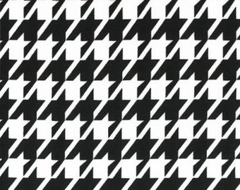 ON SALE - 15% Off Robert Kaufman Remix Houndstooth Black Quilting Apparel Fabric BTY