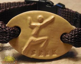 "New! Maggie's Farm Expression Bracelet Yellow ""SEEK"" Climber"