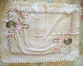 Vintage 1930s / 1940s White Hankie or Dresser Scarf with Embroidery and Crocheted Edging