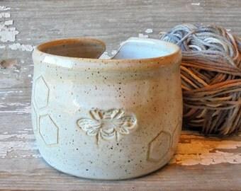 Honey Bee Yarn Bowl - White Pottery Yarn Bowl - Knitting Organizer - Handmade Pottery Yarnbowl - Honeycomb