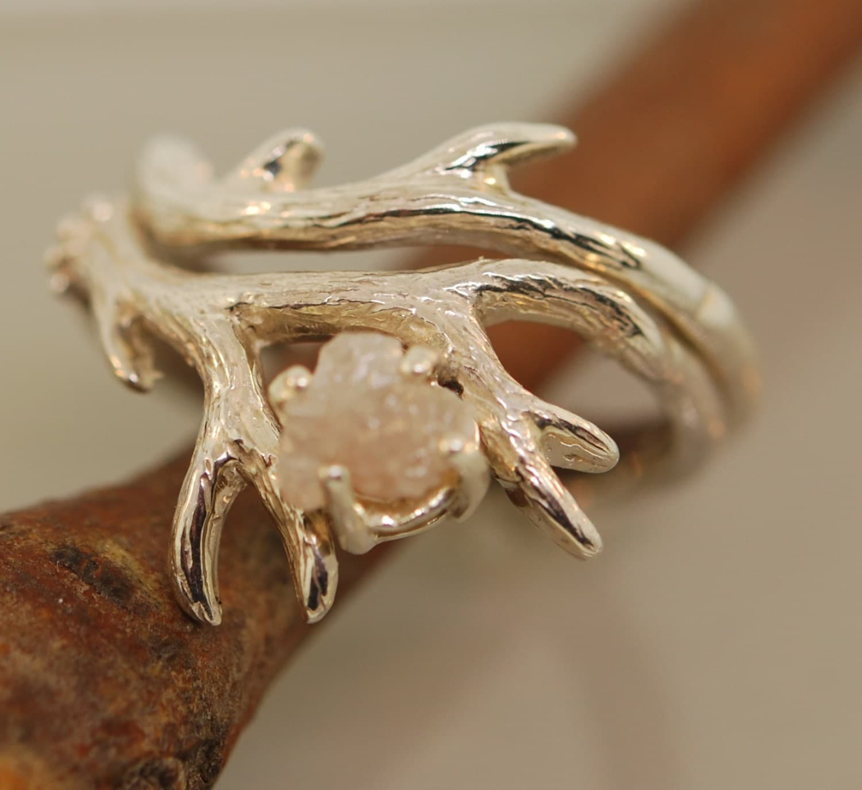 Diamond engagement rings alternatives -  Zoom