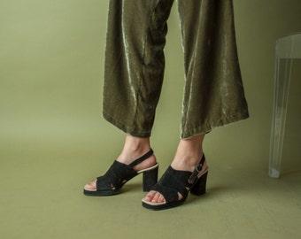 deadstock black suede platform sandals / 70s italian black sandals / black suede heels / 737s / B1
