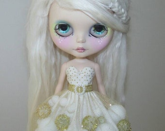White and Gold pom-pom dress for Blythe and Pullip