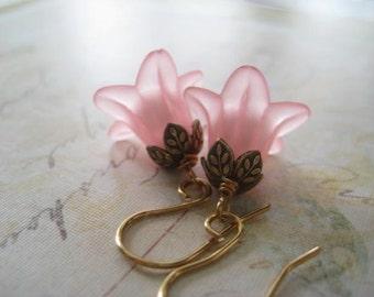 Flower Earrings, Pink Flowers, Floral Beadcaps, Swarovski Pearls, Summer Jewelry, Pure Brass, Vintaj Beadcaps, Womens Jewelry, candies64