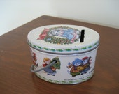 SALE 1986 Kitty Cucumber Christmas tin box coin bank with handle vintage cats