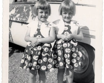 vintage photo 1950 Two of a Kind Cute Twins Sandy & Susan Identical Car Mid Century Snapshot