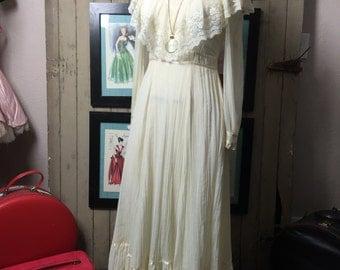 1970s maxi dress 70s ivory dress size medium Vintage bohemian wedding dress