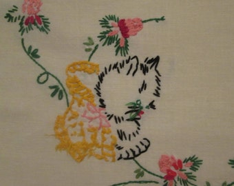 Vintage Linens - Embroidered Dresser Scarf - Kittens in Baskets