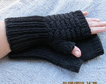 classic, texting, typing, black gloves, patterned, fingerless, gloves,