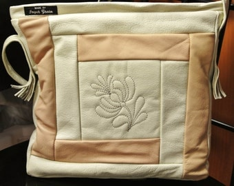 Unusual one-of-a-kind new/unused shoulderbag of creame white and light beige skin/  leather in own design