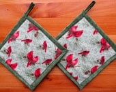 Set of 2 Cardinals in the Pines Potholders, Cardinal Pot Holders, Cardinal Hot Pads, Hot Mats, Bird Theme Kitchen, Cardinal Decor