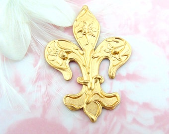 CLOSEOUT SALE Brass Ornate Lily Fleur De Lis Stampings - Jewelry Ornament Findings ~ Brass Stamping (C-1404)