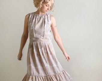 ON SALE Vintage Paisley Dress - Sleeveless Ruffle Skirt Day Dress - Large