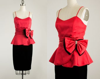 80s Vintage Red Satin And Black Velvet Cocktail Bow Rhinestone Evening Dress / Size Small