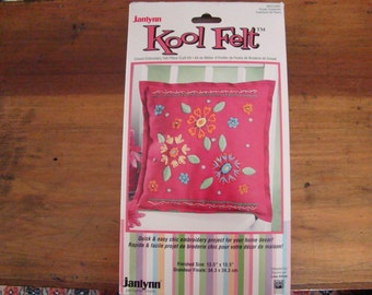Janlynn Kool Felt Pillow Crewel Kit 13.5""