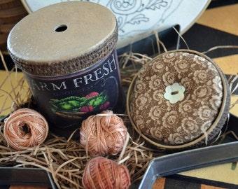PUNCH NEEDLE, Primitive, Needful, Floss Keep Pot and Mini Pin Cushion ~ Pin Keep